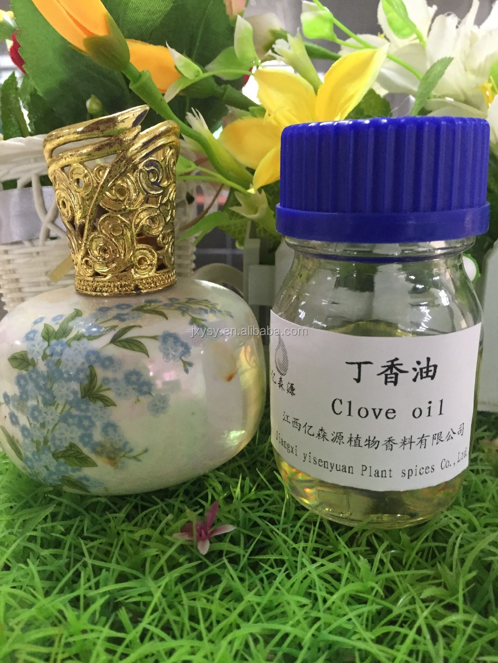 Distilled Pure Organic Clove Oil Extracted From Leaves For Relieve Pain