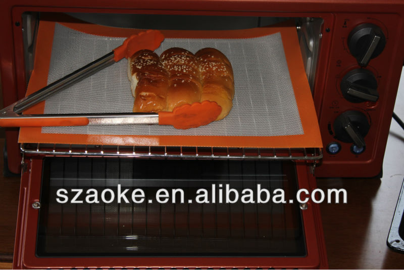 custom silicone baking sheets suitable for use in the freezer, microwave, toaster and conventional ovens