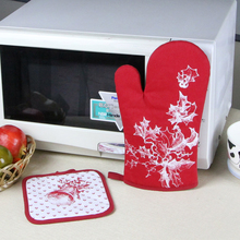 design printed oven mitt and pot holder