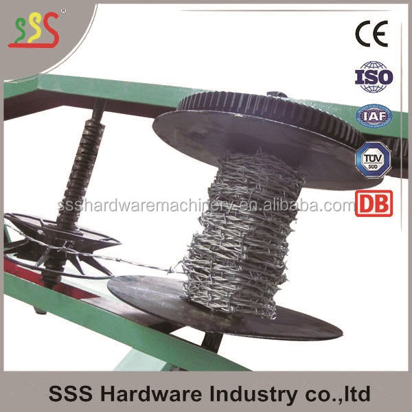 Double Single strands Barbed wire making machine 4 wire reels high quality