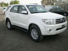 Toyota Fortuner 2.7L A/T