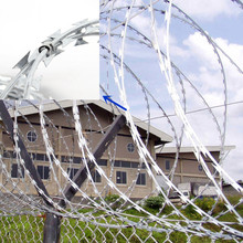 Security fencing cbt-15 / bto-22 stainless steel razor wire