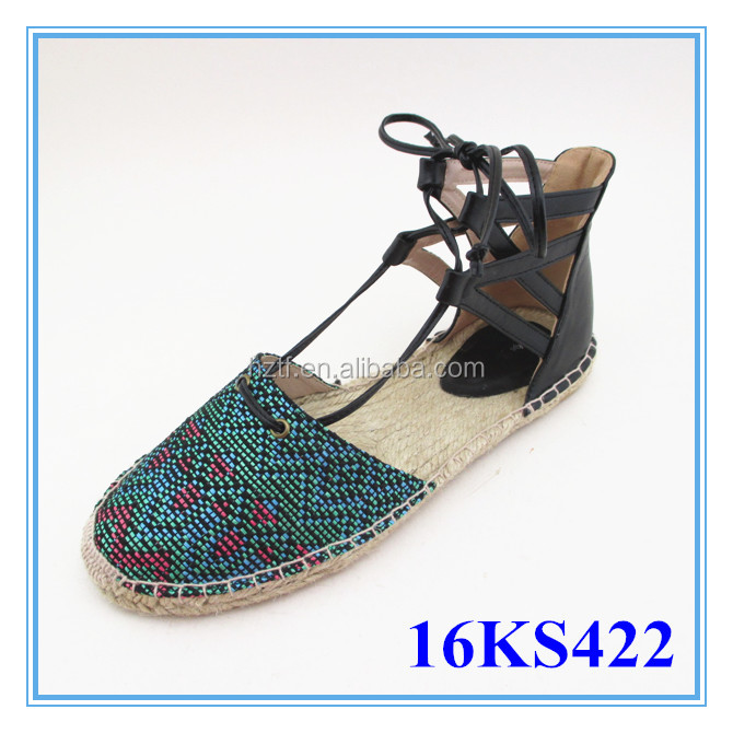 All kinds of Middle-aged women's cheap canvas shoes wholesale used