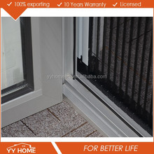 Thermal break aluminum accordion fly screen for folding door