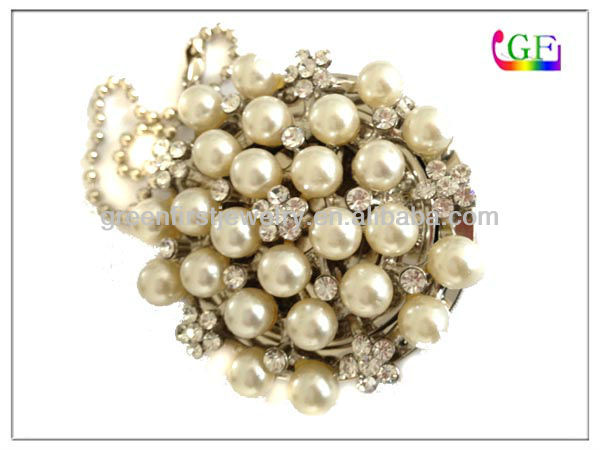 Elegant pearl charm foldable purse hook for tables purse hanger bag accessories