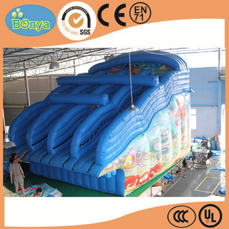 New useful inflatable curve water slide