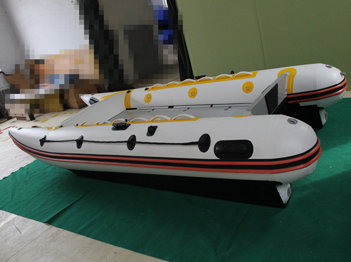 Inflatable catamaran boat with aluminum deck and pvc tube for sale