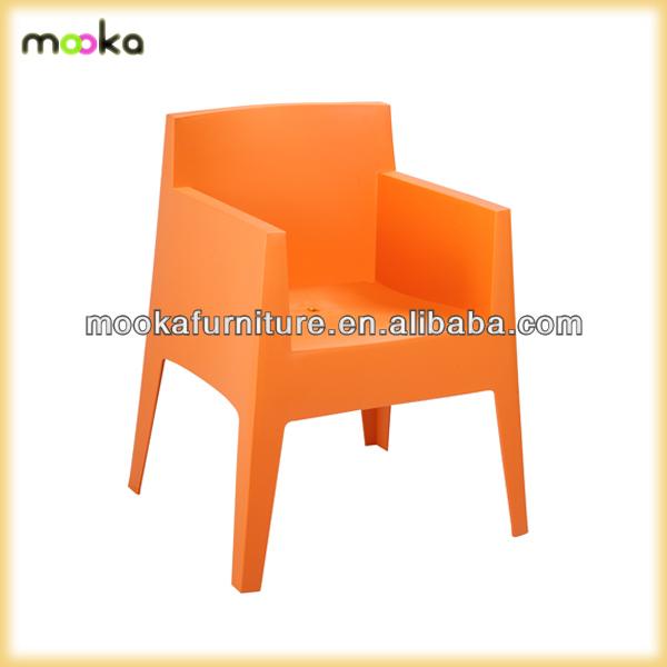 Witte tuin plastic stoelen pro tuinstoelen mkp02 woonkamer for Witte plastic tuinstoelen