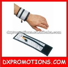 zipper wristband/wrist pocket