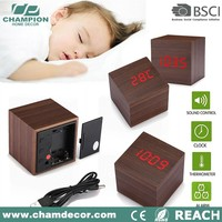 Cube popular white or red led wooden digital clock 2016