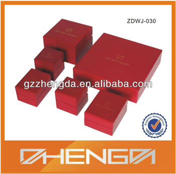 Glossy Lacquer Wooden Box For Jewelry Packaging (ZDW13-J169)