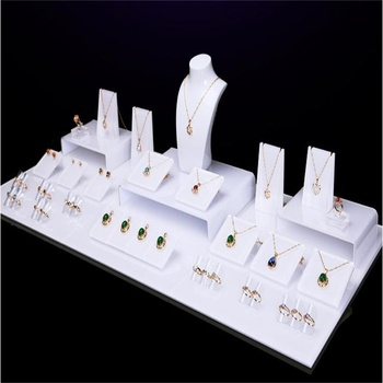 Custom acrylic jewelry display sets