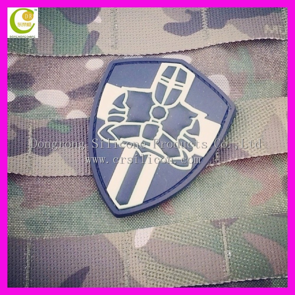 Garment new design embossed various customized shape pvc rubber designer shoulder patches