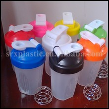 High quality plastic reusable shake cup,OEM protein powder shake bottle wholesale,custom 600ml milkshake bottle manufacturer