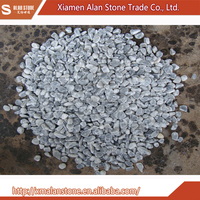 China Wholesale High Quality Light Grey Mosaic Pebble Tile