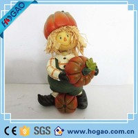 Newest hot selling resin figurine with pumpkin for Halloween decoration