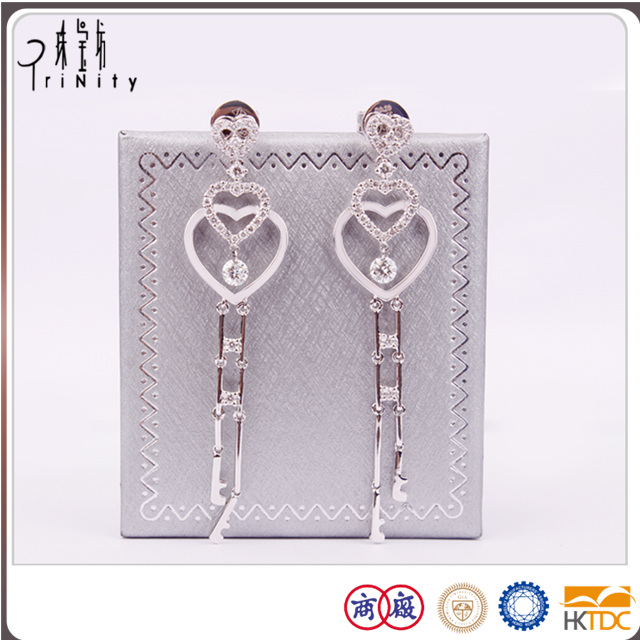 a two-year guarantee promise diamond heart stud earrings