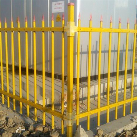 High quality and light weight wood plastic composite fence