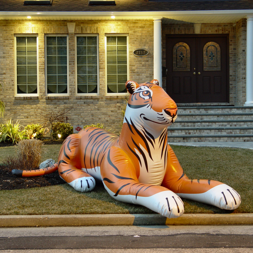 Attractive custom best selling PVC inflatable tiger model inflatable animals for sale