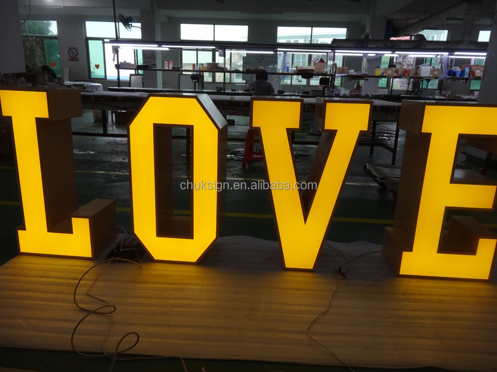 2017 Hot sale! waterproof attractive LOVE free standing big LED letters sign