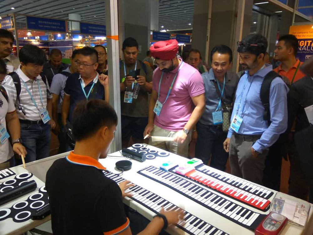 Hot sell Promotion product Roll up Electric piano keyboard