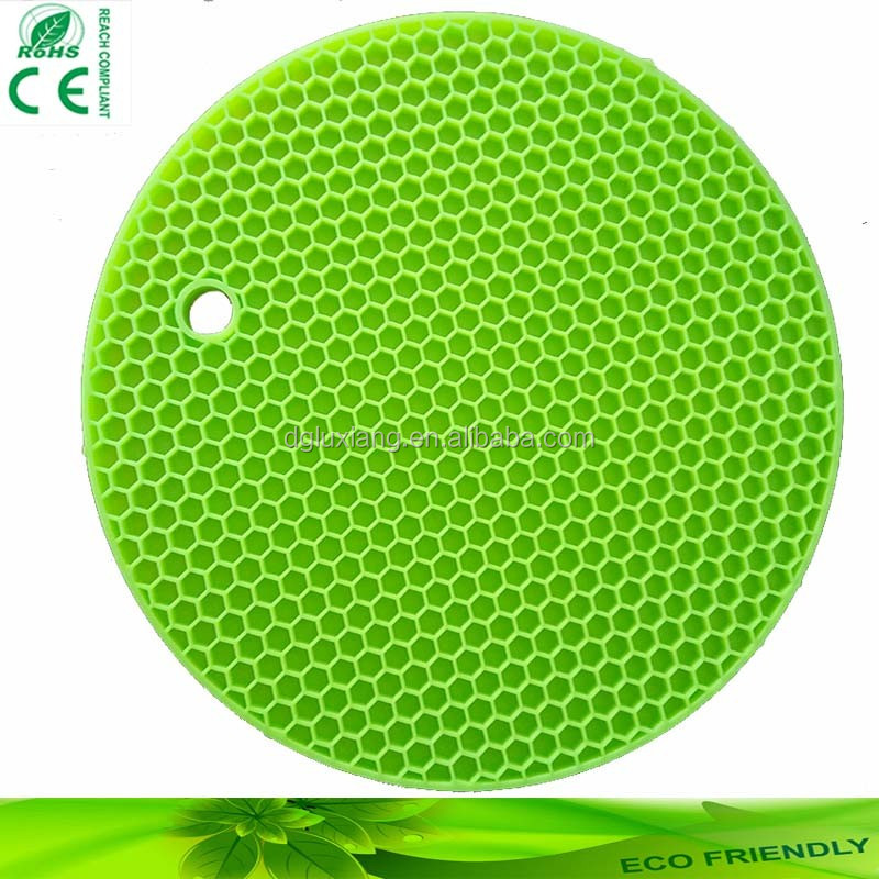 Hot sale round shape kitchen itensils silicone table mat,pan mats with low price