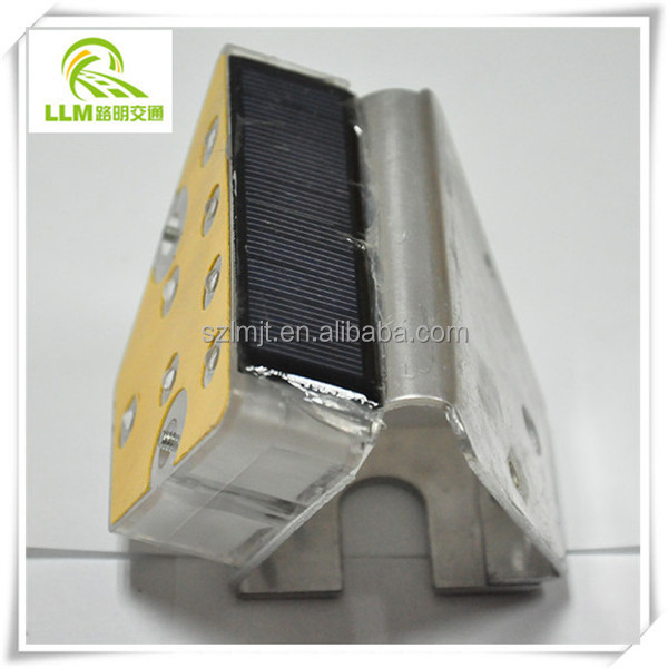 Direct manufacture solar LED road delineator for highway guardrail