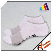 Light Running Socks Unisex, CoolPlus Fabric Keeps Feet Cool & Dry