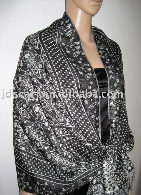 cashmere scarf made by 100% polyester with silver thread