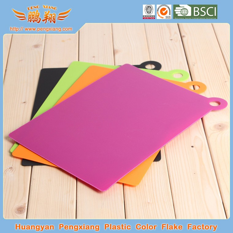 Thin plastic chopping board
