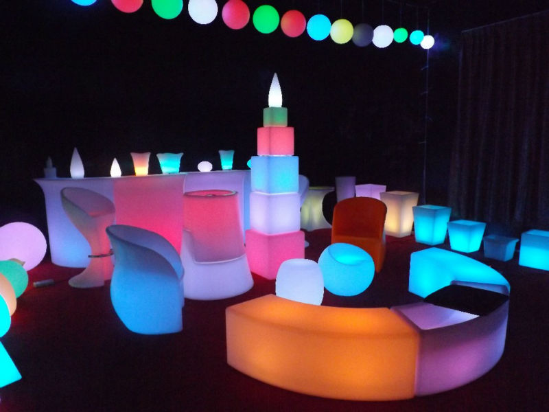 PE Material outdoor modern plastic bright colored table and chairs with 16 Color Changing, for Party Events and Club