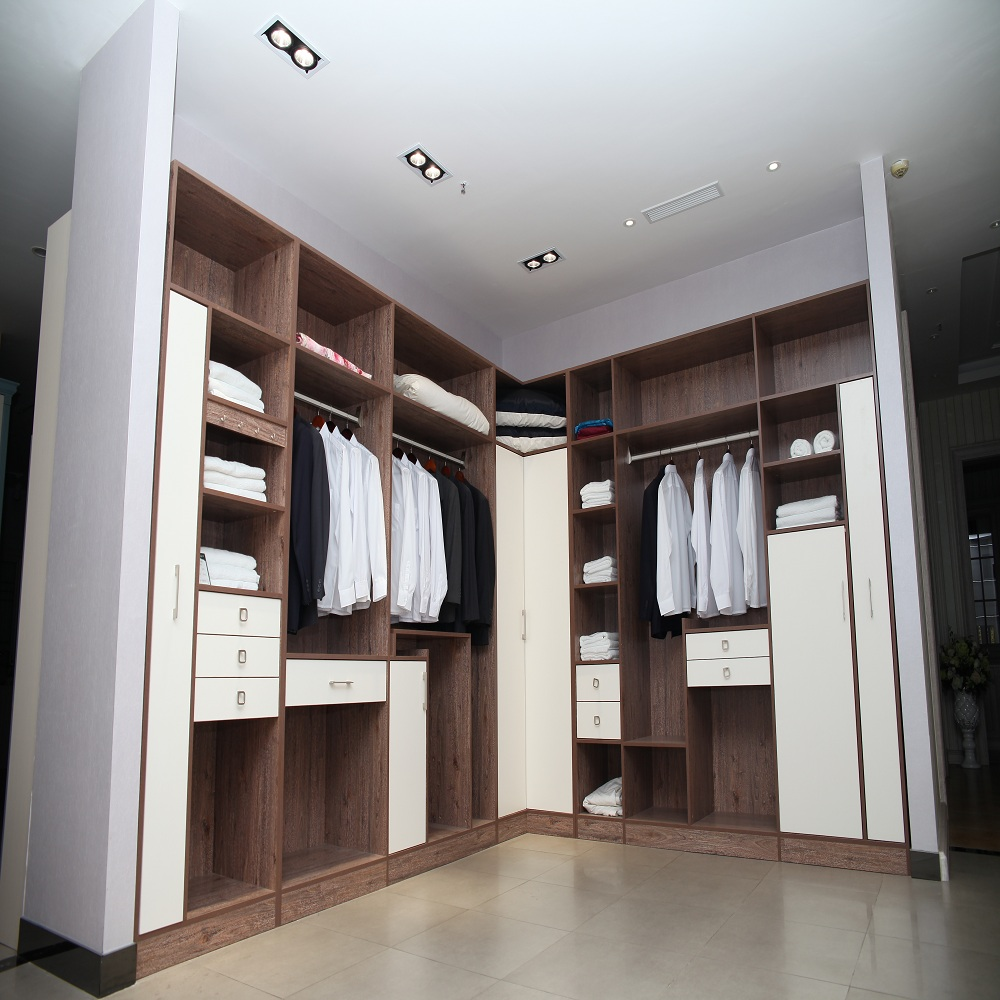 Latest solid wood bedroom wardrobe with doors designs