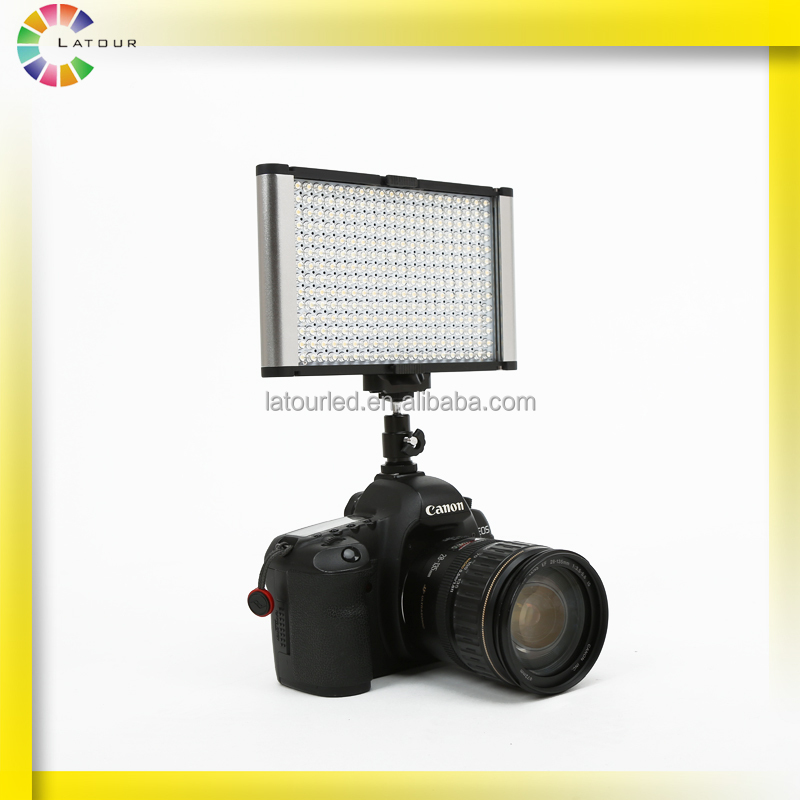 Newest unique CRI95 photographic lighting kit 18W battery powered video shooting led light with hot shoe ball mount