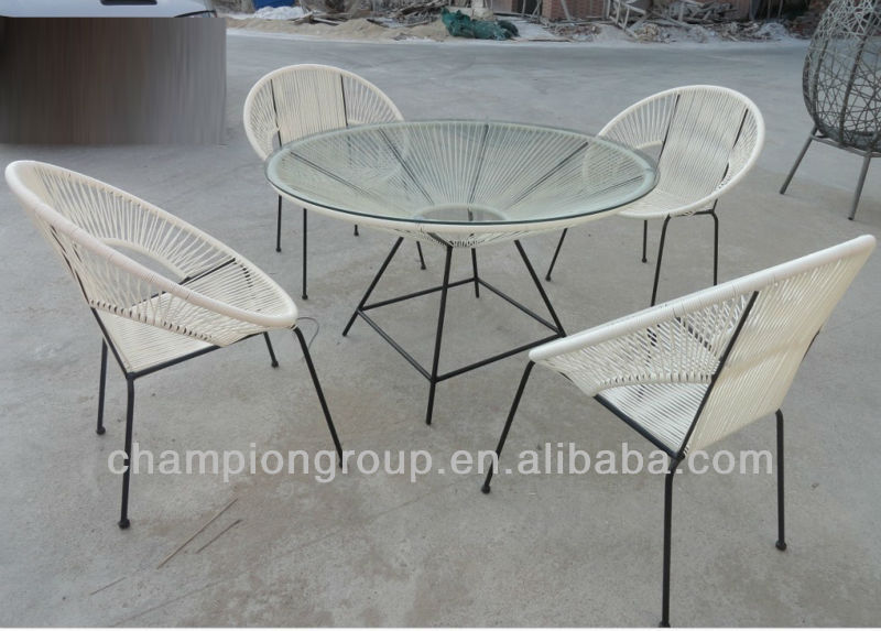 Colorful Strips Round Table with Acapulco chair for outdoor furniture