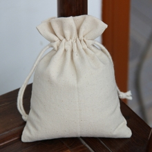 folding bag into honey necklace pouch