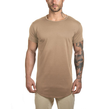 Longline t shirt with split round hem and reflective printingfor men's gym sports