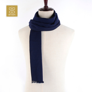 Wholesale oem classical style beautiful winter warm silk scarf
