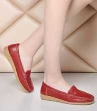 New design comfortable skid ventilate sock slip on weap middle and old aged ladies fashion shoes