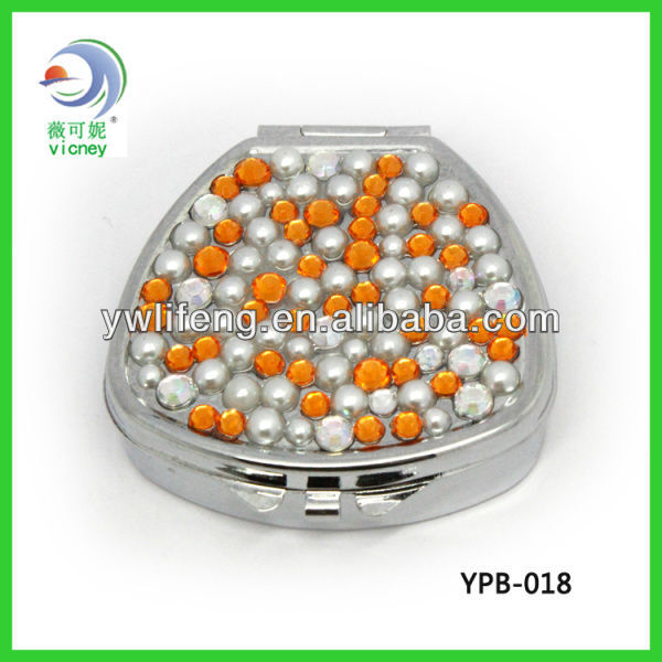 Crystal Diamond Vitamin Two Compartments Pill Case