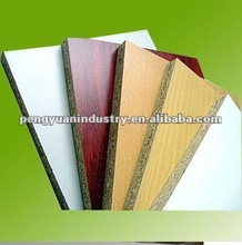 Moistureproof plain or melamine faced chipboard