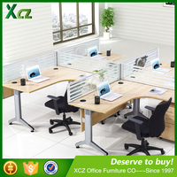 Four people tempered glass screen pictures of luxury office furniture table designs made in china