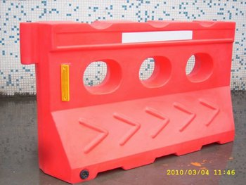 High quality plastic water road barrier for traffic