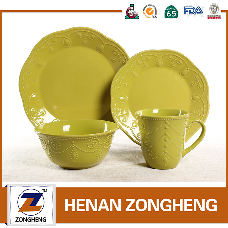 Wholesale Kitchen Crockery Cheap Color Glazed Embossed Ceramic Dinnerware