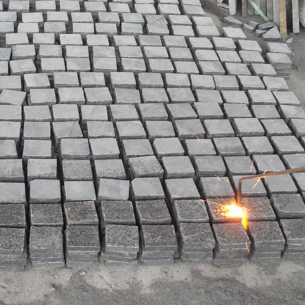 hot sale paving dark grey cobblestone