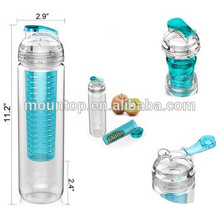 2018 hot selling camping plastic portable fruit infuser water bottle for drinking