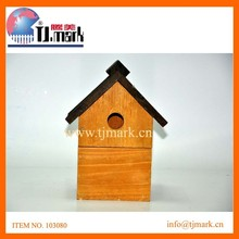 hot sale, cottage shaped bird house with green roof