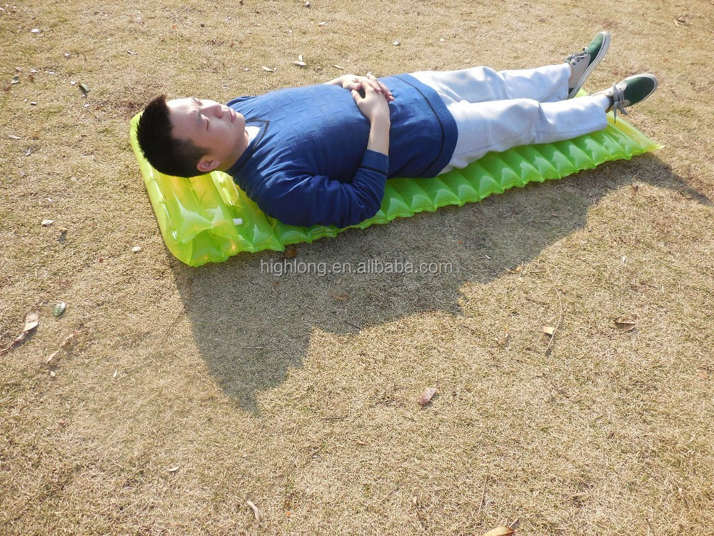 Raised downy air bed with pillow