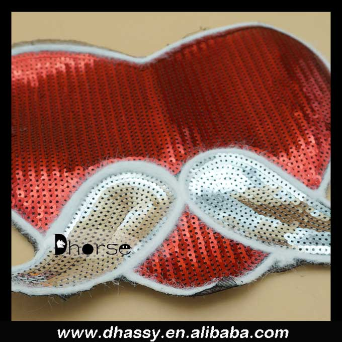 New arrival dhorse DHBP1615 bling heart and mustache christmas sequins appliques