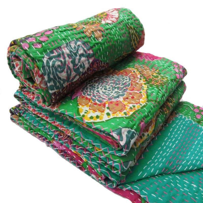 verde kantha edred n de algod n reversible colcha floral artesanal gudri india ropa de cama. Black Bedroom Furniture Sets. Home Design Ideas