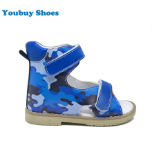European trendy boys patent leather sandals kids summer medical shoes factory